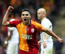 Radamel Falcao, do Galatasaray, questiona regra do retorno do futebol. Erdem Sahin/EFE
