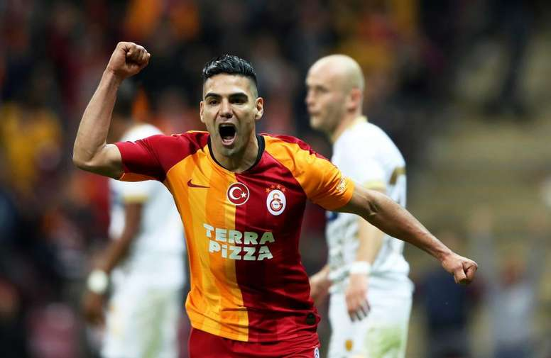 Galatasaray want to save money. EFE