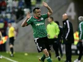 Radovic jugará en la Liga Eslovena para el Olimpija. Twitter