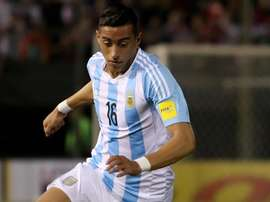 Central do Everton contraiu lesão ao serviço da Seleção Argentina. EFE