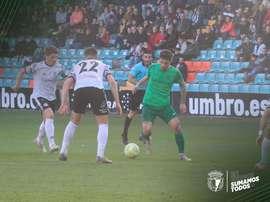 El Burgos ganó tras jugar casi una hora con uno menos. Twitter/Burgos_CF