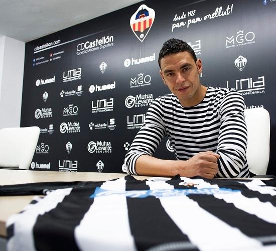 Raúl Fabiani, en su presentación como nuevo jugador del Castellón. CDCastellon