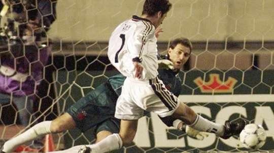 El inolvidable gol de Raúl se hace mayor. RealMadrid