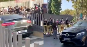 Fans greeted Messi at the stadium. Screenshots/SportsCenter