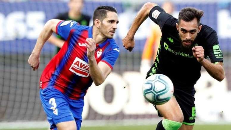 Borja Iglesias podría llegar al Barça. EFE