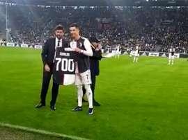 Homenagem e presente para CR700. Captura/JuventusFC