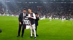 Regalo a Cristiano. Captura/JuventusFC