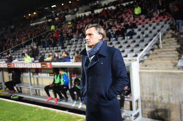 Régis Brouard no continuará siendo entrenador del Niort tras una mala racha de resultados. Twitter