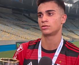 Everton é um dos interessados em jovem do Flamengo. Youtube/The Linesmen