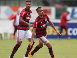Raúl espera Reinier de braços abertos. Flamengo