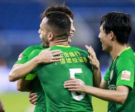 Renato Augusto faz 'hat-trick' na China. Twitter @globoesportecom