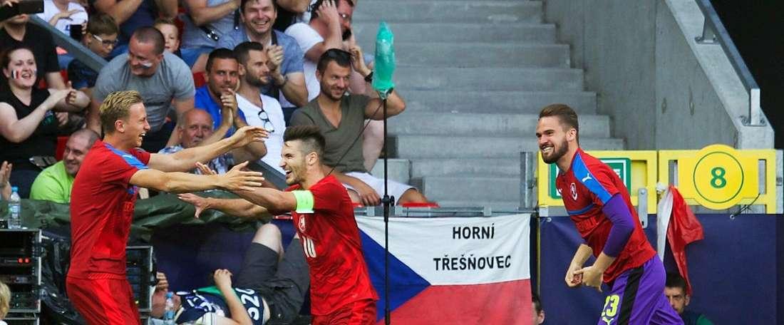A República Checa venceu a Itália por 3-1. Twitter