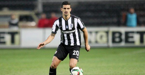 Ricardo Costa jugará lo que resta de temporada y la siguiente en el Granada. Twitter