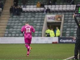 Richardson, entrando al campo en sustitución del portero titular del Wycombe Wanderers. Twitter