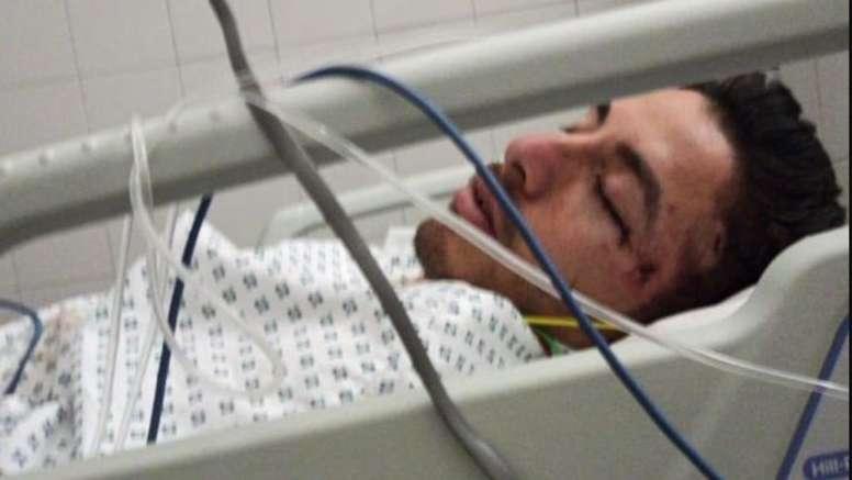 Brutal agresión que acabó con un futbolista inconsciente en el hospital. Captura/HoyosMoni