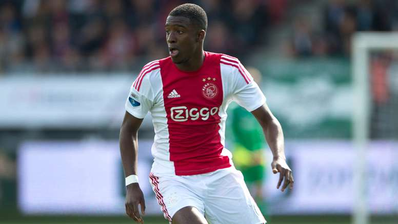 Riechedly Bazoer is likely to leave Eredivisie giants Ajax in the January transfer window. Ajax