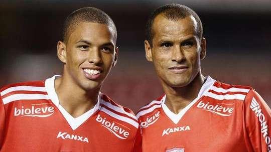 Rivaldo presidió el Mogi Mirim y también jugó con su hijo.