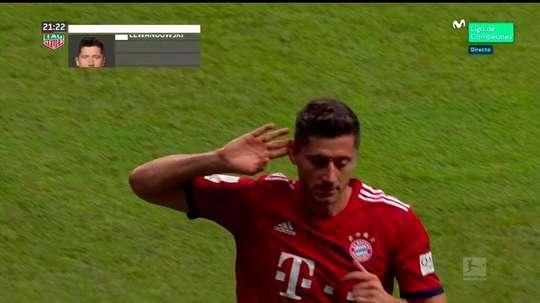 Bayern's Lewandowski silences his critics with a hat-trick. Captura/Movistar