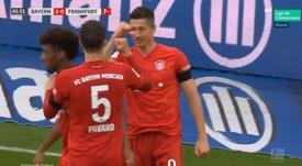 Lewandowski no falla: 27 goles en 27 jornadas. Captura/Vamos