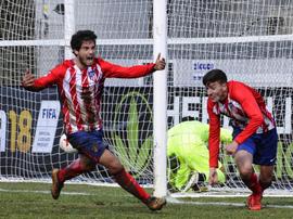 El futbolista del Extremadura espera poder estrenarse pronto. Twitter/Robertolabe