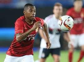 Robinho marcó dos goles en su debut. Twitter