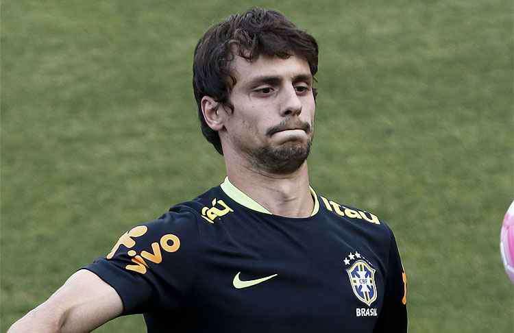 Rodrigo Caio, cada día más cerca del Barcelona. AFP