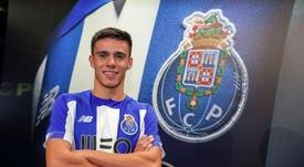 El extremo firma hasta 2022. Twitter/FCPorto