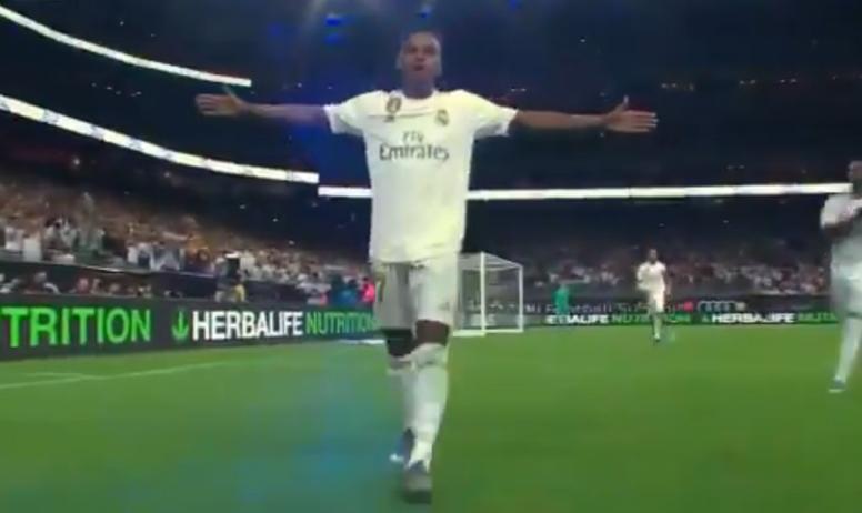 Rodrygo, entusiasmado tras su debut. Captura/RealMadridTV