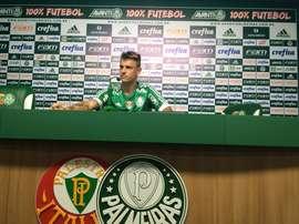 Roger Guedes en su presentación con el Palmeiras. Palmeiras