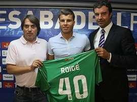 Roigé posa con la camiseta del Sabadell. Twitter