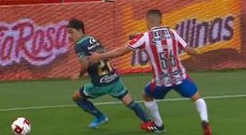 El debut de pesadilla de Torres: roja tras solo 35 minutos. Captura/TUDN