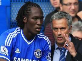 Romelu Lukaku and Jose Mourinho at Chelsea. Twitter/ChelseaFC
