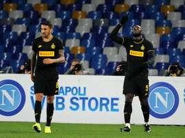 Três erros, três gols, três pontos. AFP