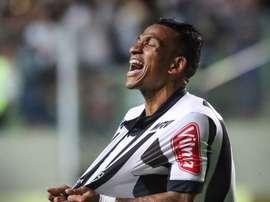 Otero marcou um autêntico golaço frente ao Coritiba. Twitter/AtléticoMineiro