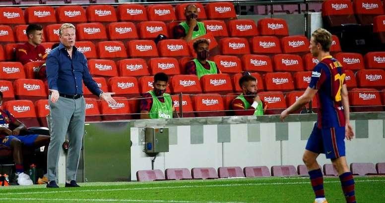 De Jong no jugó bien contra el Sevilla. EFE