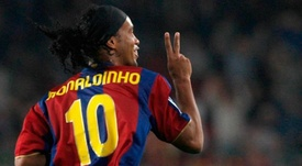 Barcelona are reportedly uncomfortable with Ronaldinho's political views. EFE