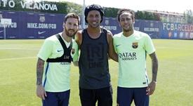 Neymar, Messi e Suárez juntos novamente é o sonho de Ronaldinho. FCBarcelona