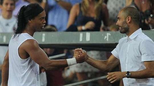 Ronaldinho acredita que o City pode ganhar a Champions. Twitter