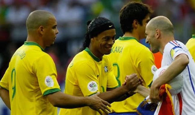 Ronaldinho culpa a Roberto Carlos de eliminación de Mundial 2006