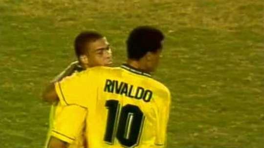 La Brasil de Ronaldo -entonces Ronaldinho- y Rivaldo cayó con Nigeria. Youtube