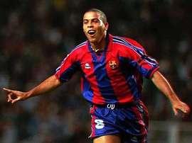 Gaspart racconta il momento della firma di Ronaldo per il Barcellona. Twitter