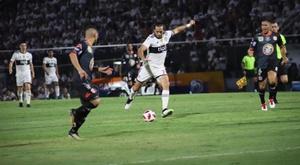 Santa Cruz mantiene a Olimpia arriba. ClubOlimpia