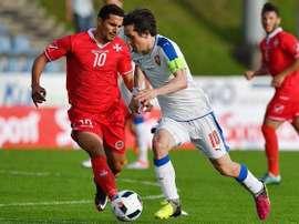 Rosicky, en un lance del partido contra Malta. AFP