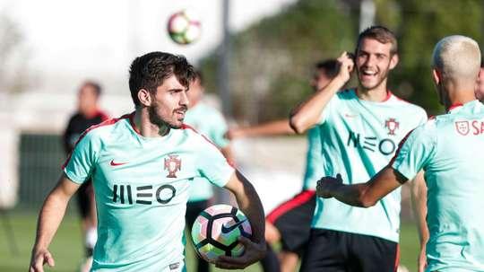 Mourinho quer o português no Manchester United.Twitter/FPF