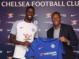 Zagueiro é reforço para a equipe de Antonio Conte. Chelsea