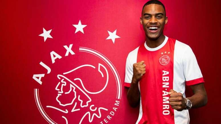Gravenberch, prometedor gran futbolista. Ajax