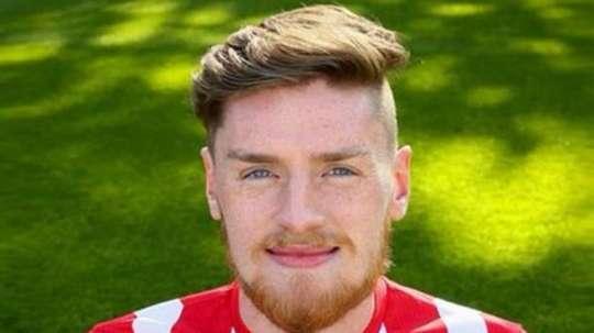 Ryan O'Reilly buscará tener minutos en el Wrexham de la National League. Twitter
