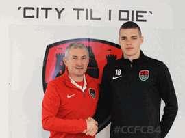 Sadauskas llega a préstamos a la Liga Irlandesa. CorkCity