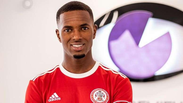 Diallo jugará en el Accrington hasta junio de 2020. Tiwtter/SadouDiallo