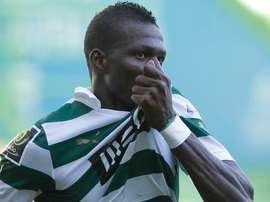 Salim Cissé celebra un gol con el Sporting de Lisboa, equipo que abandona hasta junio. Twitter